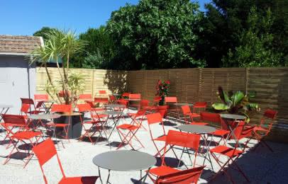terrasse restaurant café théâtre Carcans