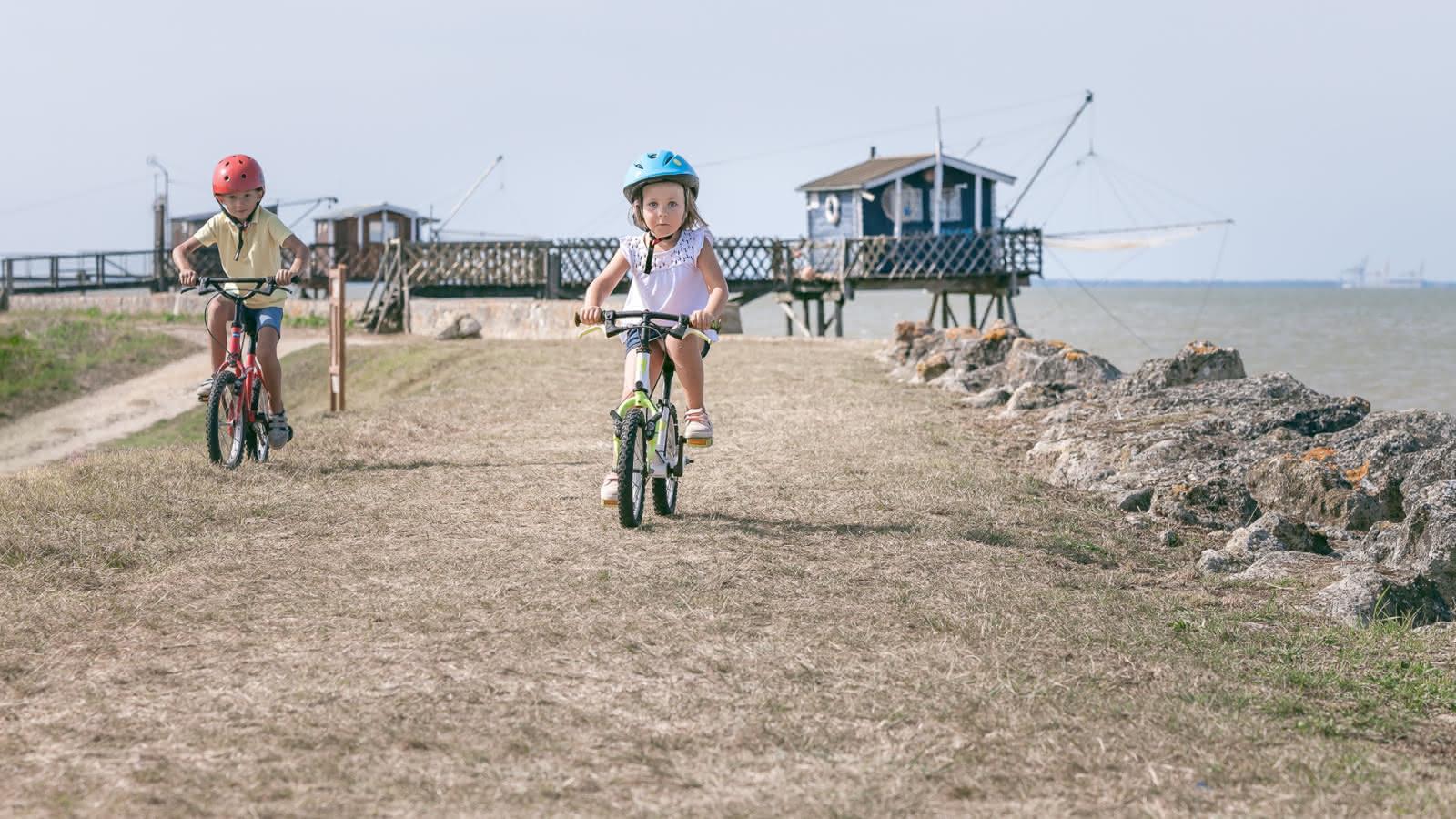 enfant-estuaire-velo activités en famille