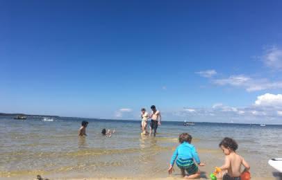 Enfants au lac - © Médoc Atlantique