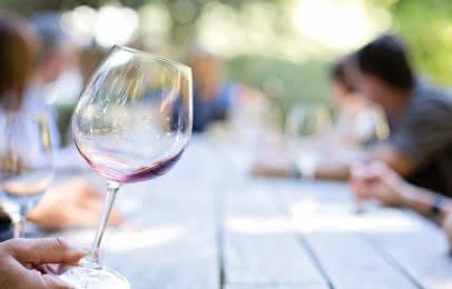 Déguster les vins du médoc - Unsplash