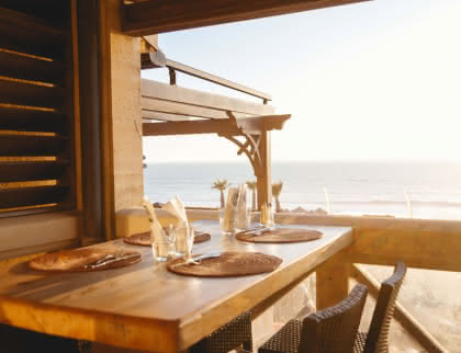 (c) Café Maritime
