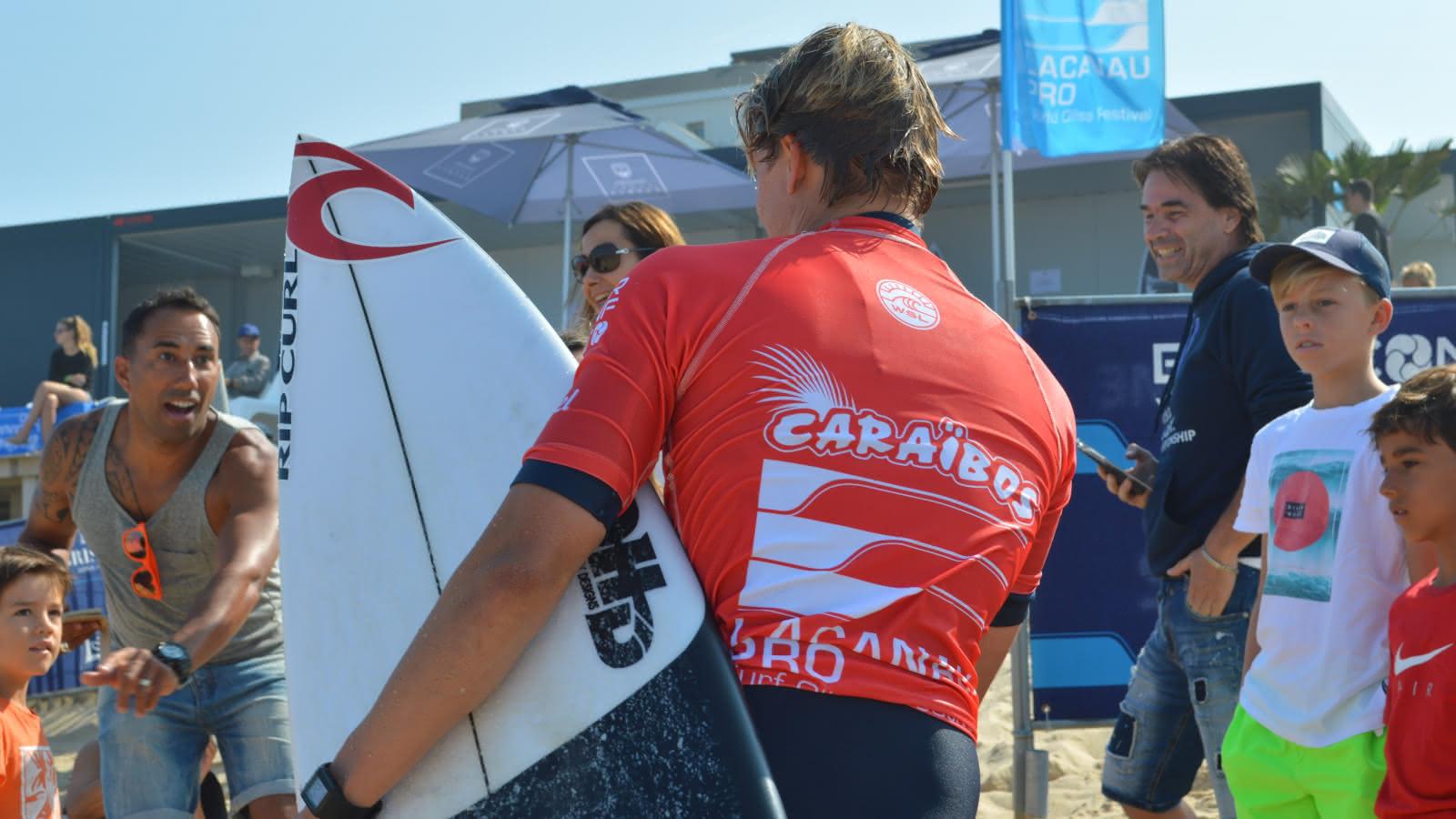 Lacanau Pro - © Djé - 1 moment 1 image - Surfeur de dos