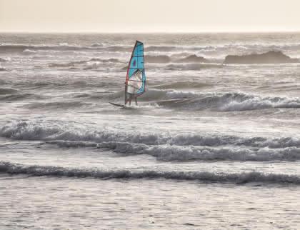 planche à voile george hiles Activités nautiques