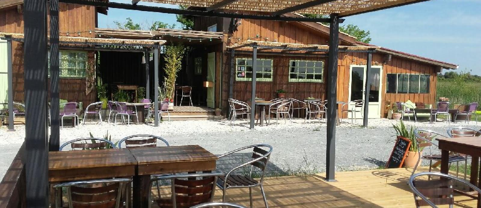 Le-Kayak-Cafe-2