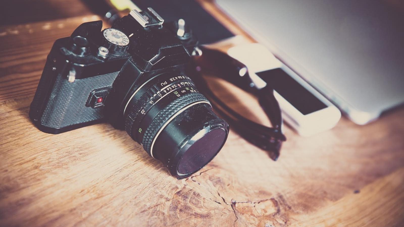 camera-581126-960-720-4