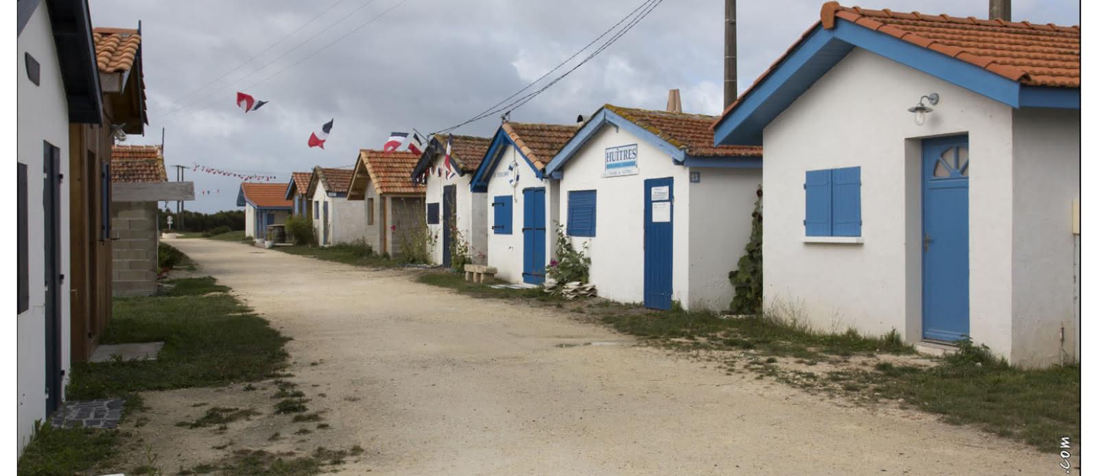 Grand tour du village Talais