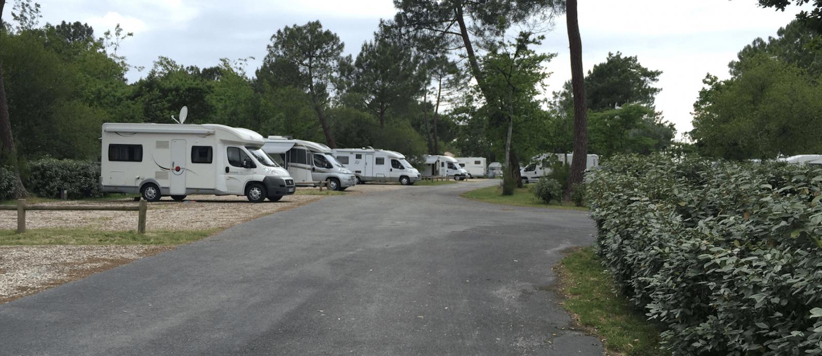 Aire-de-Camping-car-Hourtin