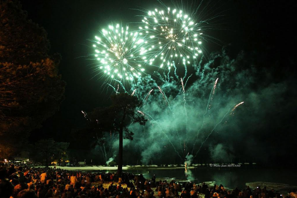 Feu-d-artifice-Maubuisson-----Jean-Bottaro--1--1-