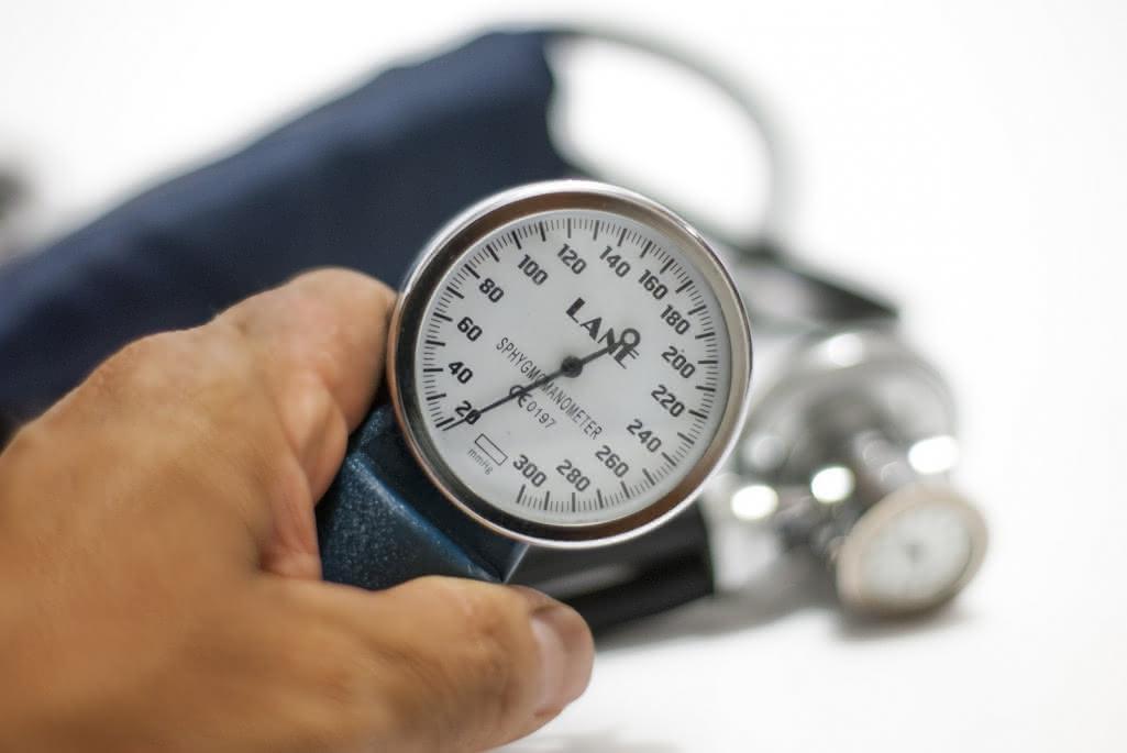blood-pressure-monitor-3467664-1920-2