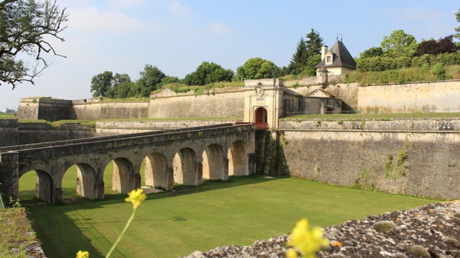 Citadelle--Blaye-Unesco-porte-royale-800x600