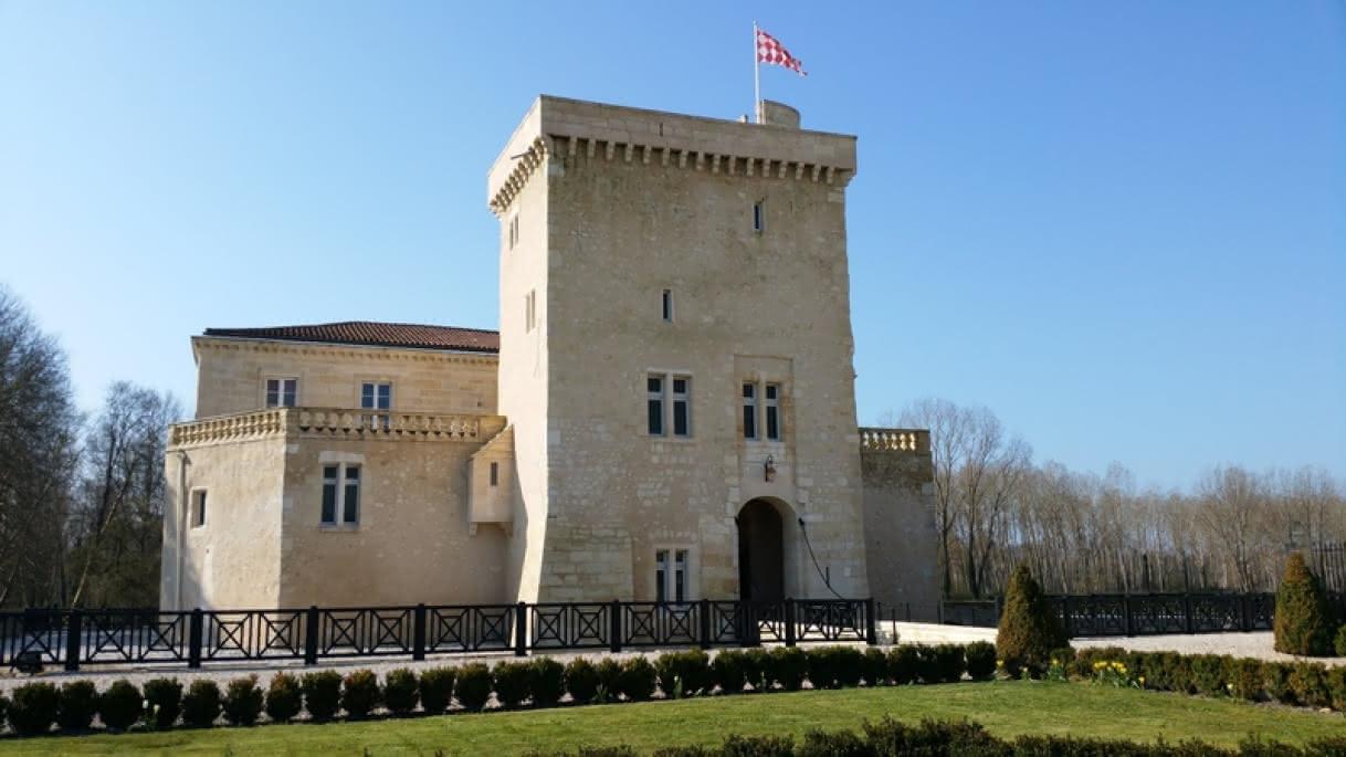Château Tour Carnet4